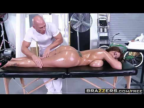 Brazzers - Dirty Massaggiatore - (Eva Notty) - Tette Enormi sul Receptionist