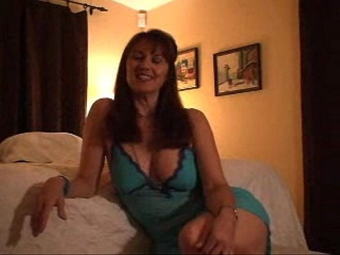 Fucking an asian milf video