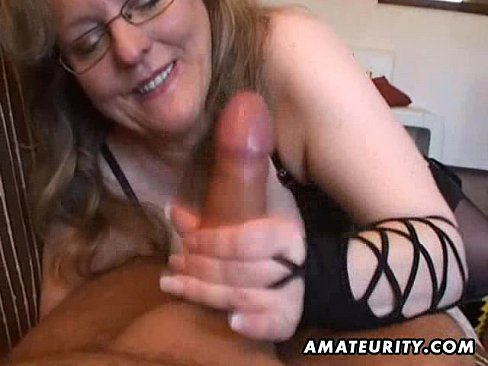 Busty wife shows off blowjob