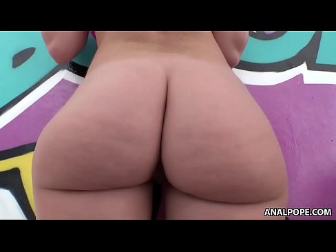 Bubble butt bouncing on big dick - Daisy Stone