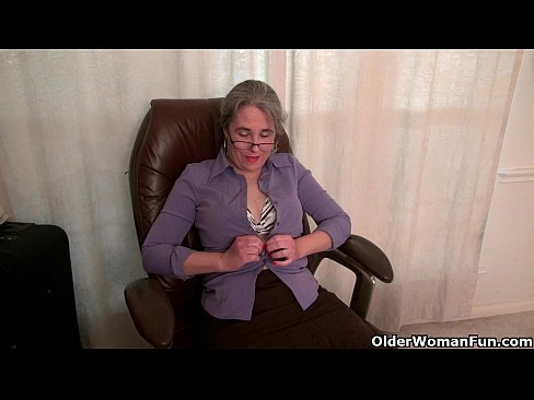 Video secretary shows her pussy pu├▒etota woow