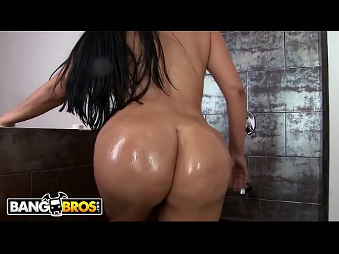 Whole of tits and ass cielo