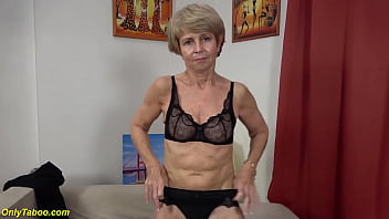 extreme skinny 75 years old grandma in sexy nylon stockings toying her old wet shaved cunt first time for my porn cam