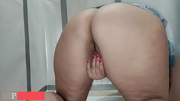 Pissing wet pussy big ass in public toilet