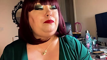 Chubby British Domme Pulls On Her Nipples While Smoking 2 Cigarettes